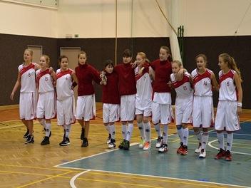 Dívky vs Krnov 28. 10. 2015